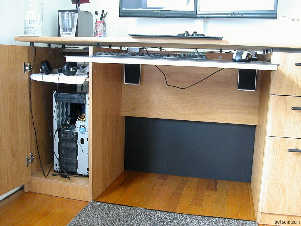Persimmon Gauge » DIY dual-monitor stand (for twin LCDs)